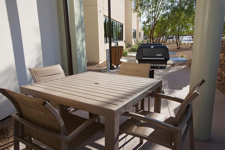 outdoor barbeque grills and picnic area, The Berkley, Las Vegas