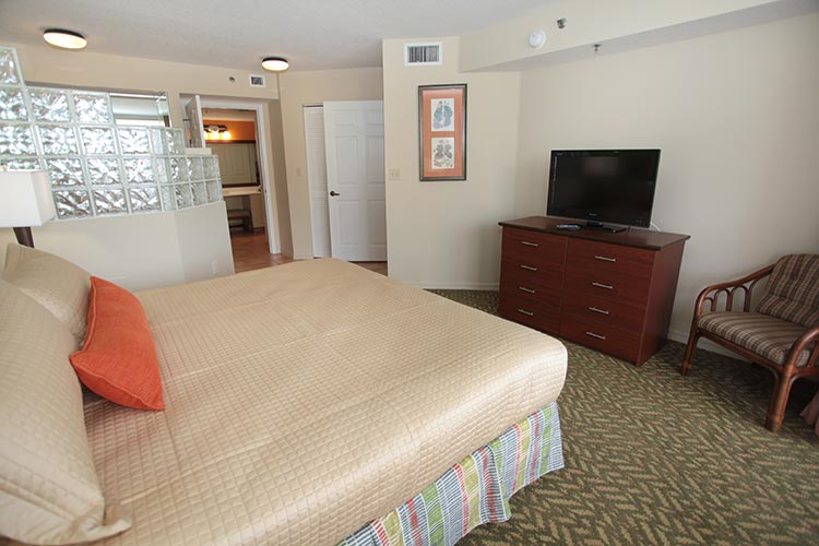 A Suite guest master bedroom with flat screen tv, Vacation Village at Bonaventure