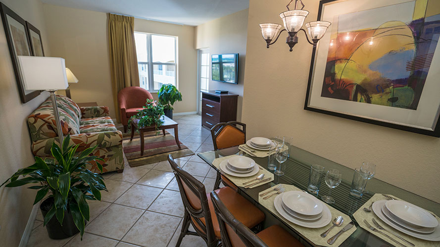B Suite guest dining room area, Vacation Village at Weston